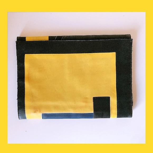 Stylish organizer purse